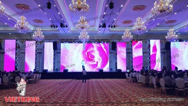 màn hình led nhà hàng tiệc cưới sảnh chính