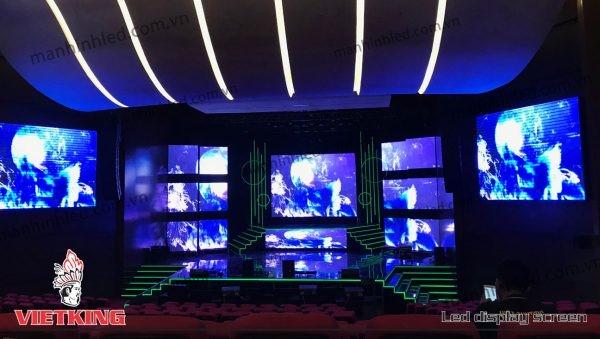 sự kết hợp giữa màn hình led và hệ thống ánh sáng