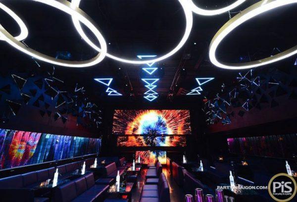 màn hình led p4 trong nhà sử dụng trong quán bar